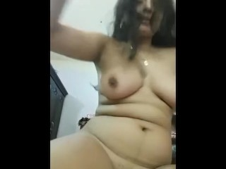 Indian Hot Girl Showing Big Boobs and Juicy Pussy