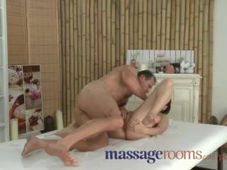 Massage Rooms Horny young big boobs girl has G-spot orgasm before facial