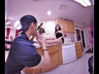 3D VR - Princess Maria's First Foot Worship Trailer - 4K 180