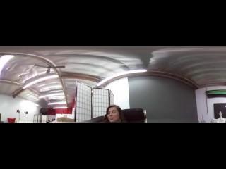 VR Giantess Slave