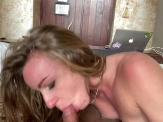 Sexe En Vacances - Je Lui Leche Et Lui Doigte Son Cul Jusqu'à L'orgasme