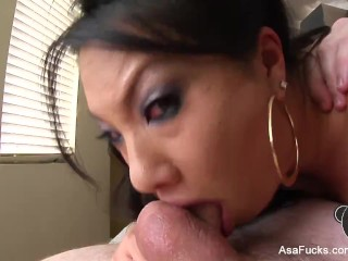 Amazing Asa Akira shows off her blowjob skills