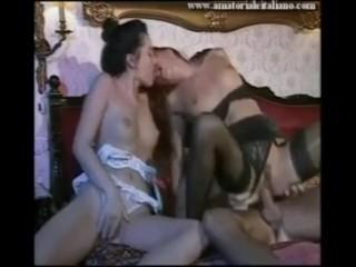 Pompini estremi di calde lesbiche