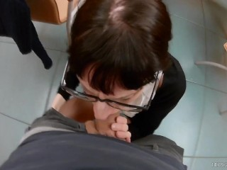 REAL ITALIAN SECRETARY WHORE MAKES ME BLOWJOB IN THE OFFICE