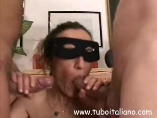 Italian Amateur Wife Threesome - Bresciana