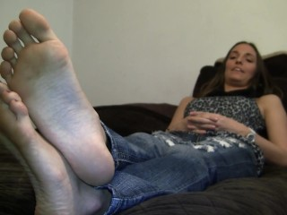Tiffany Size 11 Feet Soles LONG BIG FEET Candid Interview Blonde Italian