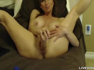 Italian flexible milf Megan Renee