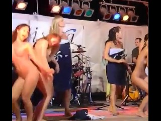 Italian black hair and Romanian blonde girl dancing