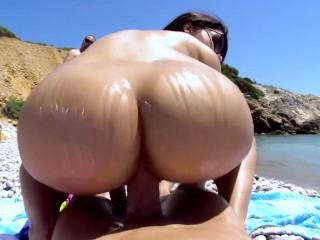 Valentina Nappi Gets Fucked On The Beach