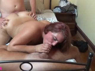 Morosa tradita si prende una rivincita e scopa un ragazzo davanti al suo lui legato. Porno Italiano