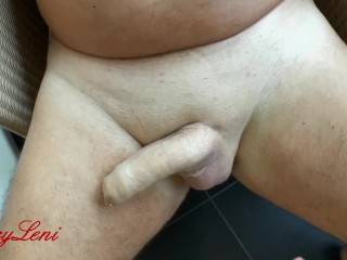 Dirty Footjob im Bad