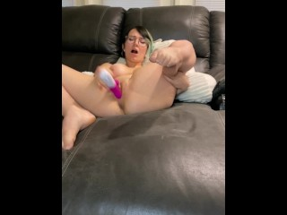 Playing with my pussy/ using vibration dildo to cum