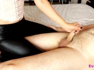 MISTRESS IN SEXY LEGGINGS DO FEMDOM HANDJOB