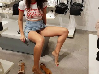 She forgot to put on her panties and went to the store for new shoes