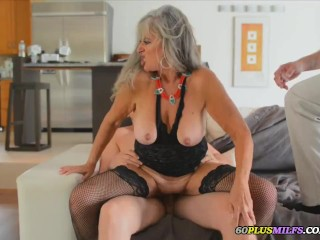 mature wife want to fuck two young dudes