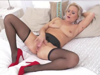 THE BEST FEMALE ORGASMS Part 11 MATURE and MILF 10 REAL ORGASMS