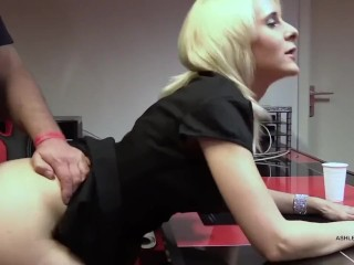 DAD WITH BLONDE MATURA - FUCK IN THE OFFICE -