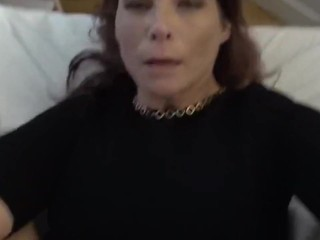 Sexy mature woman likes anal sex with stranger on vacation